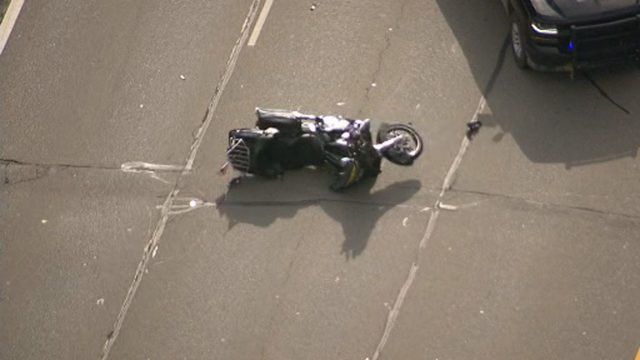 Motorcycle crash on I-75 injures 2