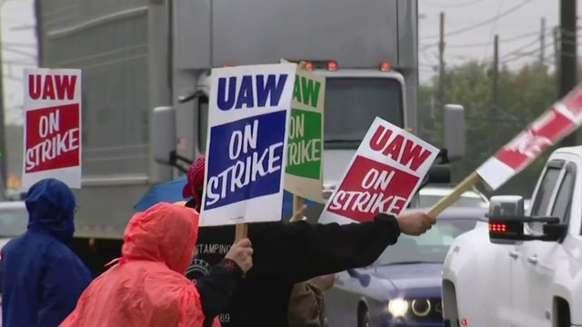 AP source: UAW rejects GM offer over pay, temp workers