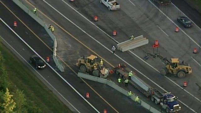 Northbound I-75 closed at 14 Mile Road; lane closed on SB I-75