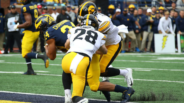 No. 19 Michigan leans on defense to beat No. 14 Iowa 10-3