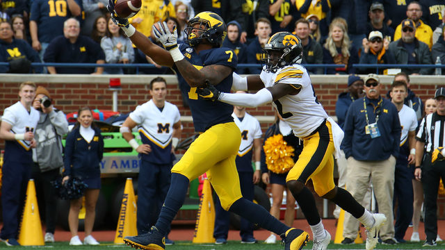 Michigan football looks to put up big offensive numbers against Illinois
