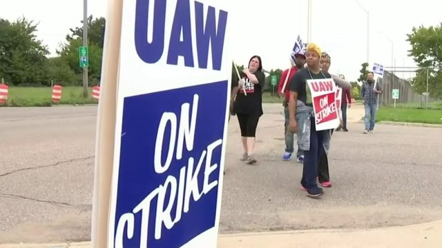 UAW-GM strike in 4th week: Here's what's going on