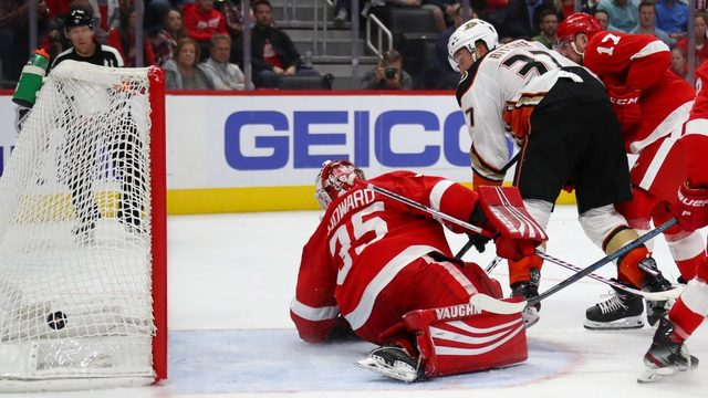 Ducks dish Red Wings first loss of 2019-20