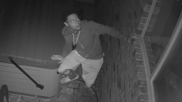 Police search for prowler in Rochester Hills, Troy area