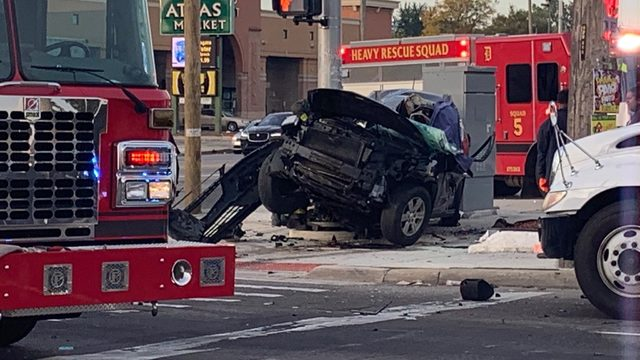 Man killed in violent crash at Linwood, Davison in Detroit