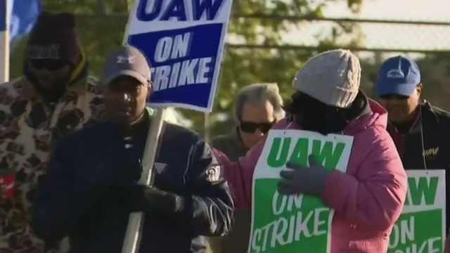 UAW strike against General Motors to continue during voting process