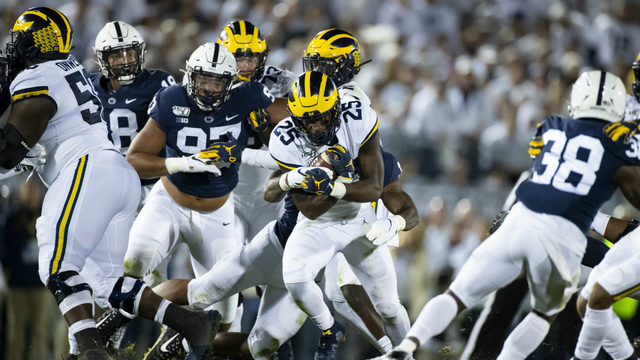 Clifford's 4 TDs lead No. 7 Penn State over No. 16 Michigan